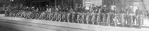 motorcycle_club_old_bikes_group.jpg